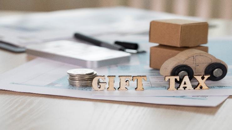 Caso Práctico de IVA 4: regalos y atenciones a clientes; restricción del derecho a la deducción (A tu aire)